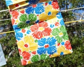 Heavy fabric hanging clothes pin bag, buttons to line. New fabric pattern