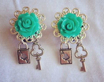 Rose Plugs with Ace of Clubs Lock & Key Dangle (2g, 0g, 00g)