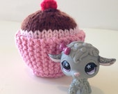 Custom Littlest Pet Shop Sparkly Lamg & Knitted Cupcake