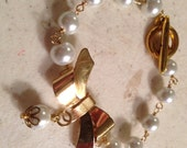Pearl Bracelet - Wedding Jewelry - Gold Jewelry - Bride - White Jewellery - Fashion - Funky - Mod - Bow - Charm