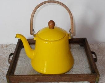 Vintage yellow enamelware teapot, coffee pot,  farmhouse decor, primitive decor, vintage housewares, home decor, flea market decor