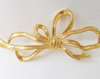 Vintage jewelry brooch in gold bow design Trifari 1970 gay wedding brooch Sale half price
