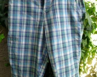 Women's size 8 BERMUDA Shorts, plaid blues