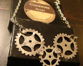 Steampunk Gear and Cog Necklace in Antique Silver (1400)