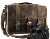 "15"" Distressed Tan Sonoma Buckhorn Leather Camera Bag - 15-BUC-DIS-LCAM"