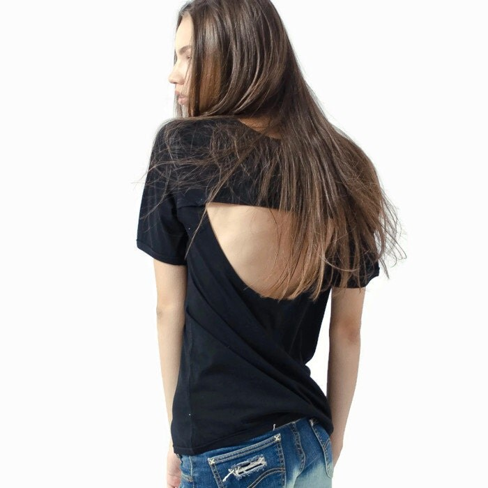 how to cut a t shirt open back