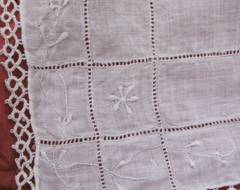 Vintage Solid White Embroidered Tatted Trim Cotton Linen Hankie
