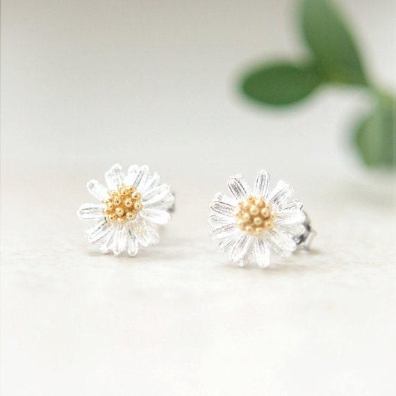 Tiny Silver Daisy Earrings
