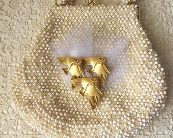 Vintage Handbag - Corde Bead - 1950's - Vintage Brooch - Beach or Destination Wedding -  Cottage Chic - Vintage Glamour - Collectible
