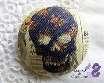 Fabric button, printed death's head, 20 mm/ 0.78 in