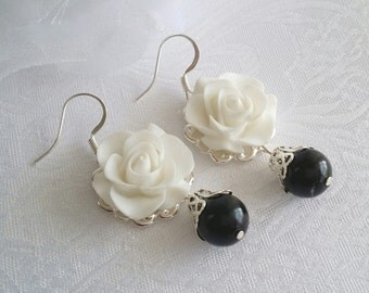 Black white Earrings White Flower Earrings Bridesmaid Earrings Black and White Wedding Jewelry thank you card Victorian White Rose Earrings