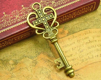 10 pcs Antique Bronze Skeleton Key Charms 62x23mm CH1824