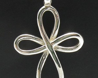 PE000399 Sterling silver pendant   925 solid cross quality