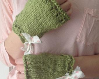 FREE SHIPPING Womens Organic Cotton Wrist Warmers - Green Garden