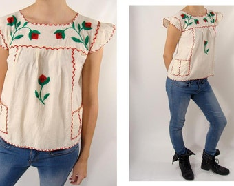SALE was 74.44 Mexican Peasant Top. original vintage 40s 50s Embroidered Flower Cotton Muslin Summer Babydoll Top S M