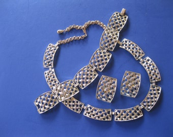 Sarah Coventry Necklace Bracelet Earring Set Thatched Design