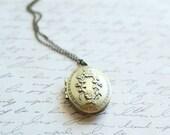 SALE - Antique Bronze Vintage Locket - Locket Necklace - Bridesmaid Locket Necklace - Bridesmaid Necklace - Flowergirl Locket