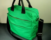 Kelly Messenger Bag in Kelly Green Canvas Twill/ Crossbody Bag/ Multi Pockets/ All Purpose Everyday Bag/ New York