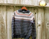 Unisex Vintage Icelandic sweater. Chunky Fair Isle sweater Fisherman's jumper