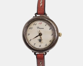 Vintage Woman Handcraft Wrist Watch with Handstitch Leather Band /// Unni s - Perfect Gift for Birthday and Anniversary