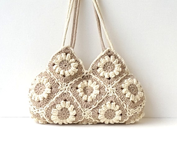 Medium crochet hand bag in cream white and beige with flowers, crochet hand bag, shoulder bag, flower purse