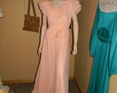 Vintage Ballroom Maxi dRESS.Nude Peach Organza Gown.Size small/Medium.Lace belt.Off theshoulder.Prom.