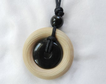 Small Nursing Necklace - Black Stone and Natural Wood