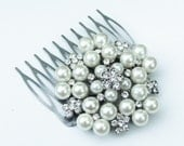 Round Pearl and Rhinestone Hair Comb - Vintage, Bridal, Wedding, Prom, Pageant