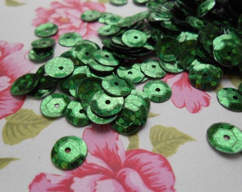Sequins Holographic Green Round Paillettes 6mm.