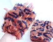 Leopard Fur Fingerless Gloves, Leopard Faux Fur, Animal Print Fur Gloves, size Medium