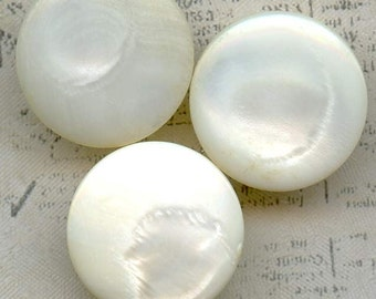 Beautiful Vintage Mother of Pearl Shell Sewing Buttons ~ 3/4 inch 19mm ~ MOP Sewing Buttons with lovely Luster