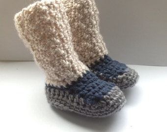 Handmade crochet baby boy booties in dark blue, creamy and gray or make your costume order with color and size