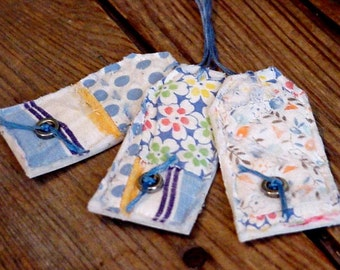 Vintage Quilt Tags, Handmade Quilted Patchwork Fabric Prim Feedsack Cutter Quilt Hang Tags, All Occasion Gift Wrap Tags itsyourcountry
