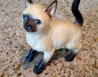 Lefton Siamese Cat ceramic figurine kitten