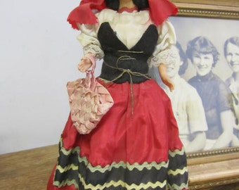 Made in Italy Vintage Costume Doll. Collectible dolls. Dolls of the world.