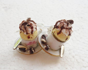 Teacup Cupcake Earrings. Polymer clay.