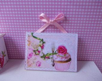 beautiful box of cupcakes 1.12 th
