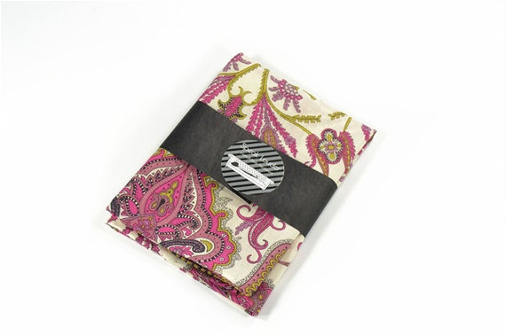 Mens Pocket Square Casino Royale- Pink paisley