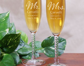 Mr. and Mrs. Personalized Engraved Wedding Champagne Toasting Flute Wedding Gift Flutes For Bride and Groom