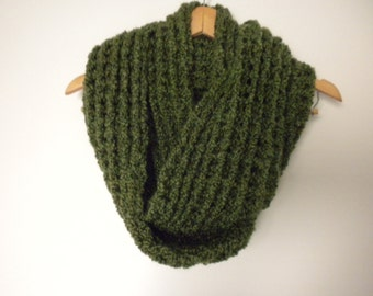 Crochet Scarf Green Super Soft  Infinity Crochet Chunky Thick Neckwarmer