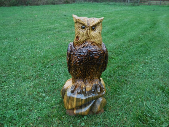 Chainsaw carving carved owl