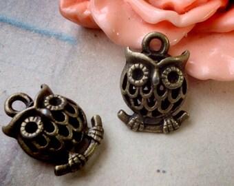 11 x 17 mm 3D Owl on the Branch Antique Bronze Charm Pendant (.gm)