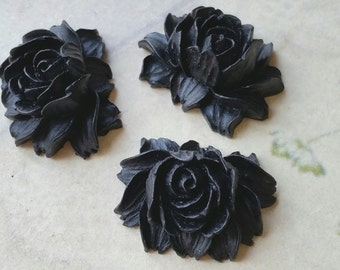 25 x 20 mm Black Color Resin Flower Cabochons  (.ng) (zzb)