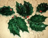 OH THEE HOLLY and thee Ivy, 5 Vintage Pieces of Green Glazed  Plaster Molds with wonderful patina in Good Condition for a holiday display