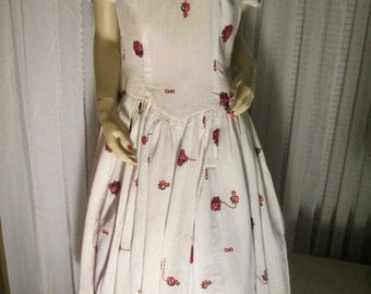 1950's BIG GIRL No Label White Print Collared/Puff Sleeve Dress