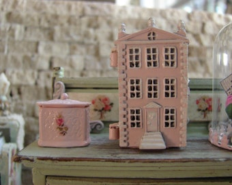 Dollhouse Miniature Shabby Chic Pink MetalTiny Little Metal Dollhouse Dollhouse 1-1/2 Inch High