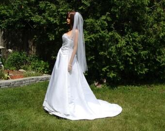 Beautiful Fingertip Length Veil Single Layer White