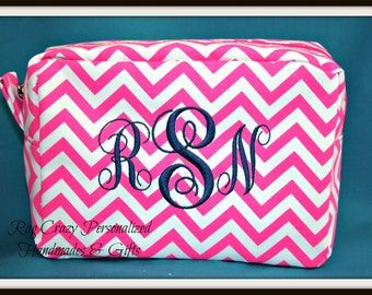 Chevron makeup bag, Personalized MakeUp Bag, Bridal Party gifts, Makeup Bags, Monogrammed makeup bags, Gifts under 20.00