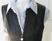 Vest- SALE black leather cropped small vest 1990s with zipper