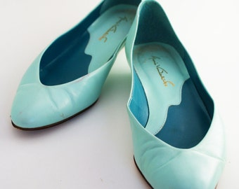 Flats- Mint Green Gloria Vanderbilt leather slight heel